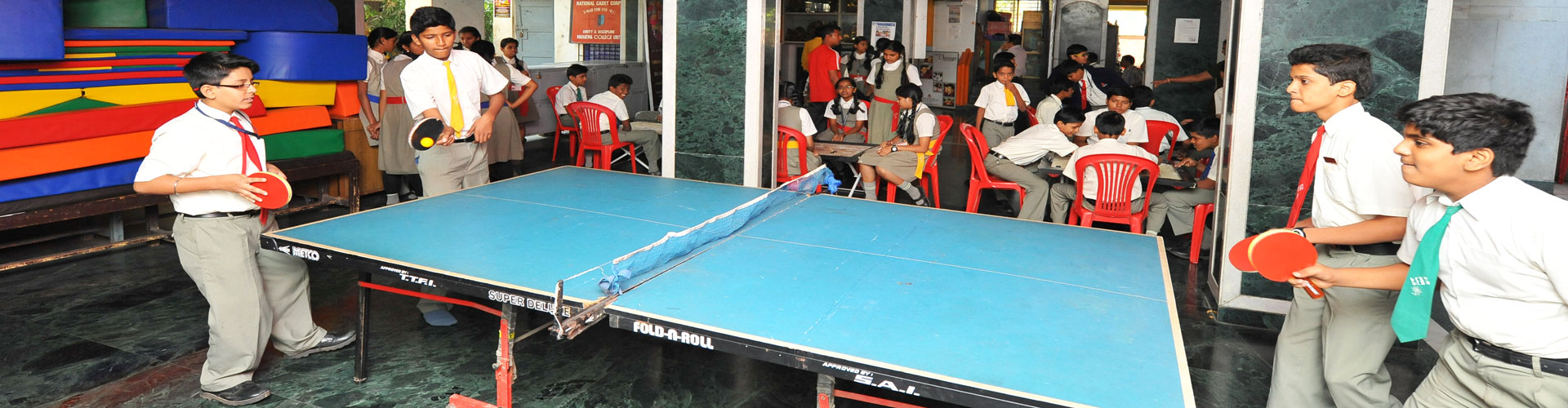 INDOOR-GAMES-TABLE-TENNIS